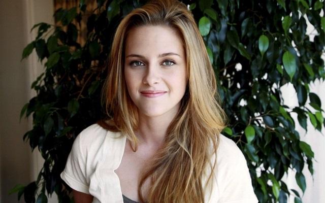 Kristen-Stewart-in-Sils-Maria[1]