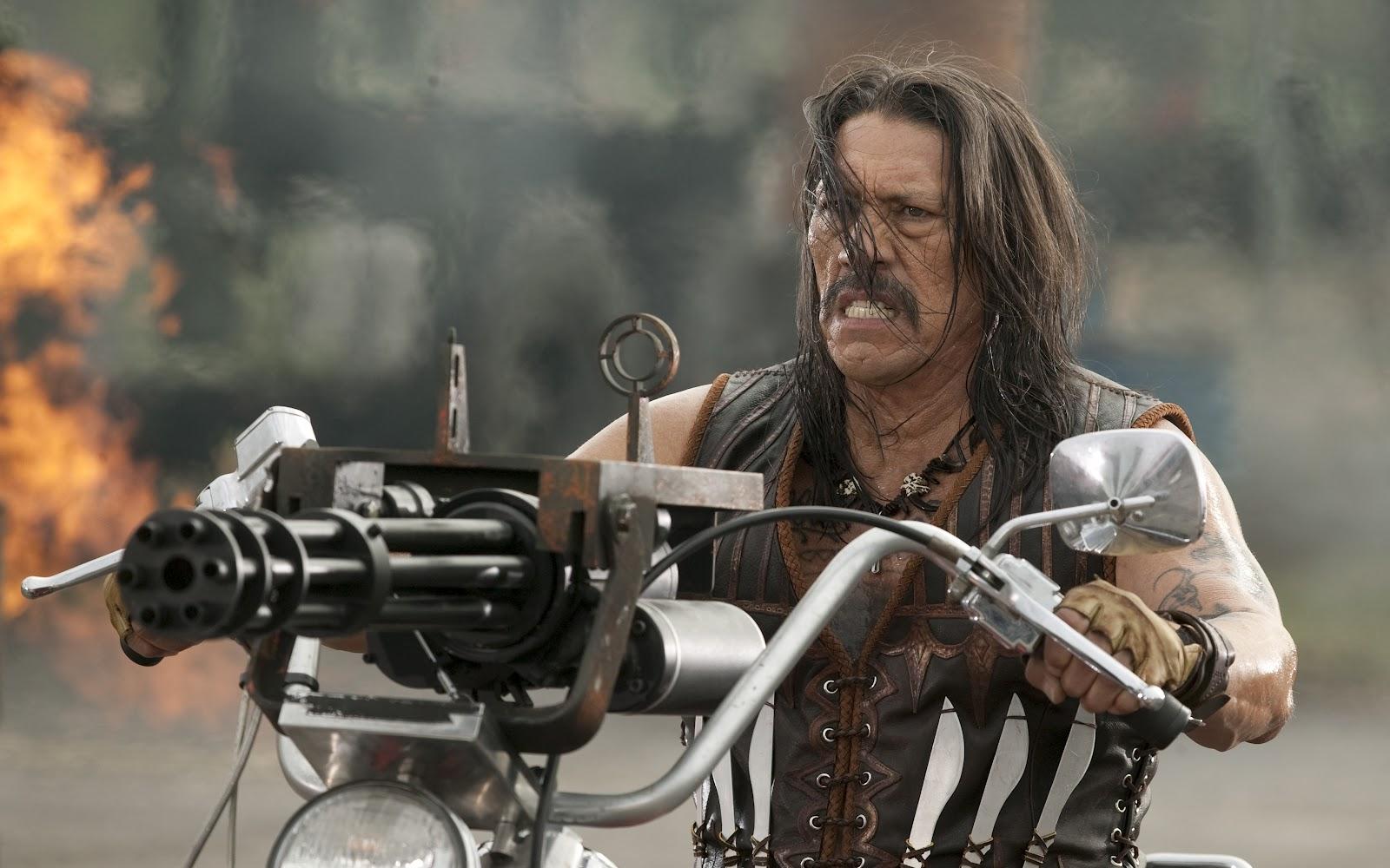 Danny-Trejo-e-Michelle-Rodriguez-nuova-immagine-del-film-Machete-Kills