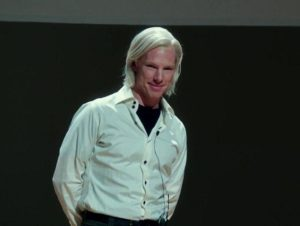 Julian Assange primo trailer del film The Fifth Estate