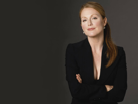 julianne moore alma coin hunger games