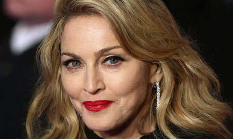 Madonna-cacciata-perche-messaggia-sul-cellulare-alla-premiere-di-12-Years-A-Slave