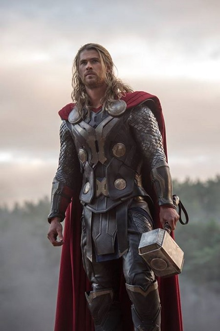 avengers-age-of-ultron-thor-vs-visione-scena-eliminata